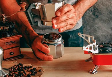 Saiba como preparar café na cafeteira italiana